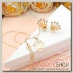 Гарнитур 2 предмета: серьги, кулон Тортик короны в коробочке, цвет белый в золоте, 45см - бижутерия