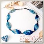 Бусы Агат пористый эллипс с бусинами через узел, цвет синий - бижутерия