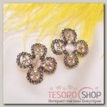 Серьги Цветок четырёхлистник, цвет серо-белый в золоте - бижутерия