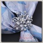 Кольцо для платка Цветок объемный со стразами, цвет белый в серебре