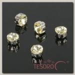 Стразы в цапах (набор 5 шт), 6x6мм, цвет золотой в серебре